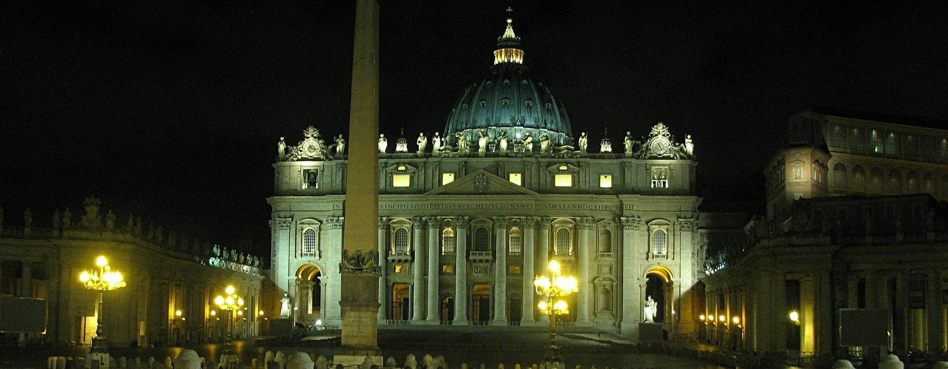 Nasz Wielki Nauczyciel  –  Święty Jan Paweł II